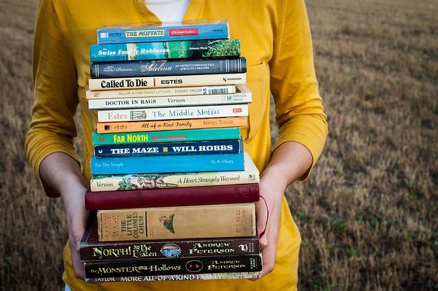 books-1605416_640.jpg